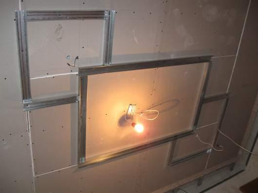 Короб с подсветкой из гипсокартона на потолке